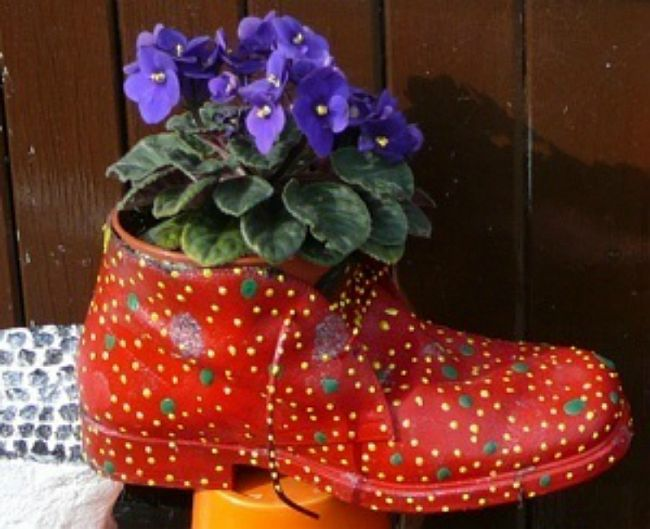 old shoes planter 4