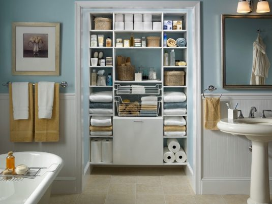 organized-bathroom-2