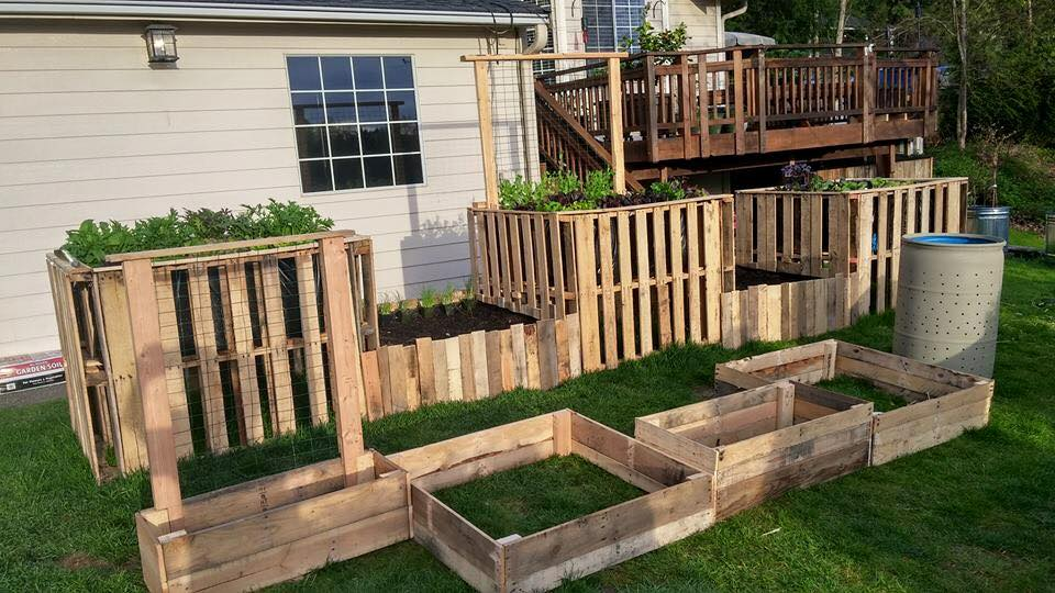 15 fantastic diy pallet planters for How to make a flower box out of pallets