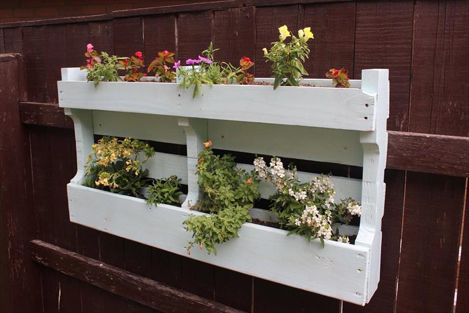 15+ Fantastic DIY Pallet Planters