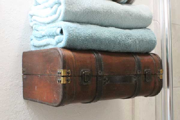 repurposed-old-suitcases-14