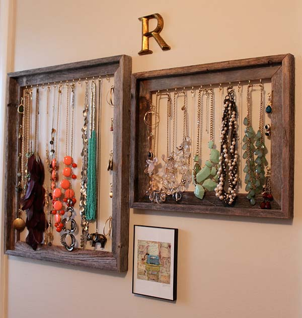 20 creative diy old picture frames for Creative ideas for old picture frames