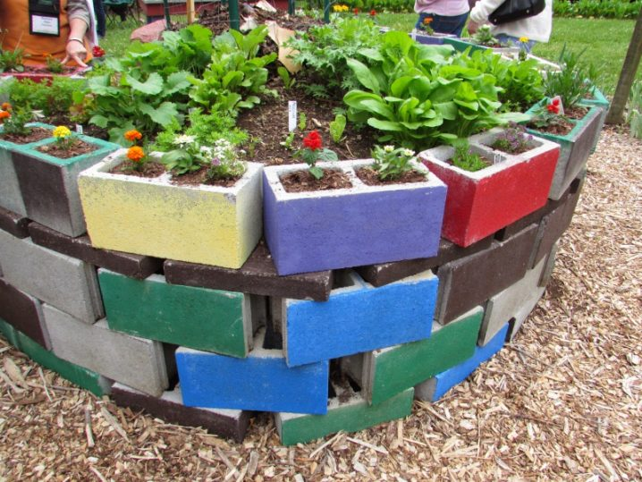 shaped raised bed gardens 12