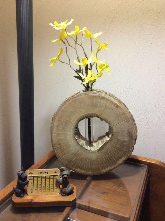 vases-from-tree-stump-15