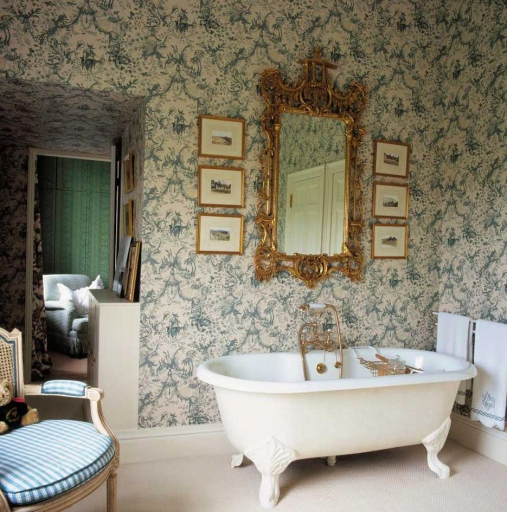 Victorian Bathroom With Modern Style And Romantic Feel