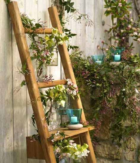 15+ Impressive Ideas to Make Wooden Ladder Garden